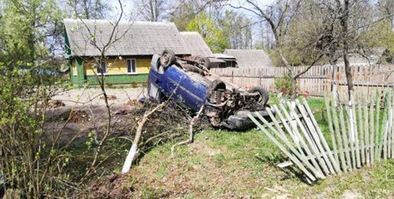В Хотимском районе перевернулся Fiat. Погиб водитель-инвалид.