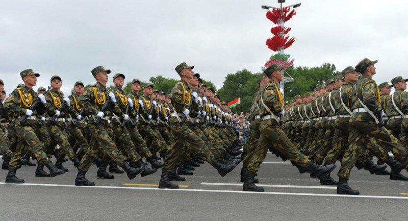 Военные готовятся к параду по случаю Дня Независимости Беларуси