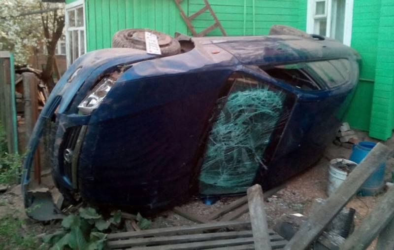 В Могилеве нетрезвый водитель протаранил забор частного дома