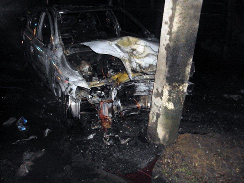 В Бресте в результате ДТП автомобиль загорелся