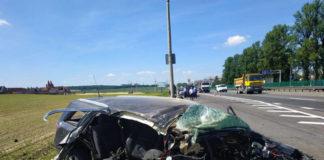 На МКАД Opel Astra влетел в столб
