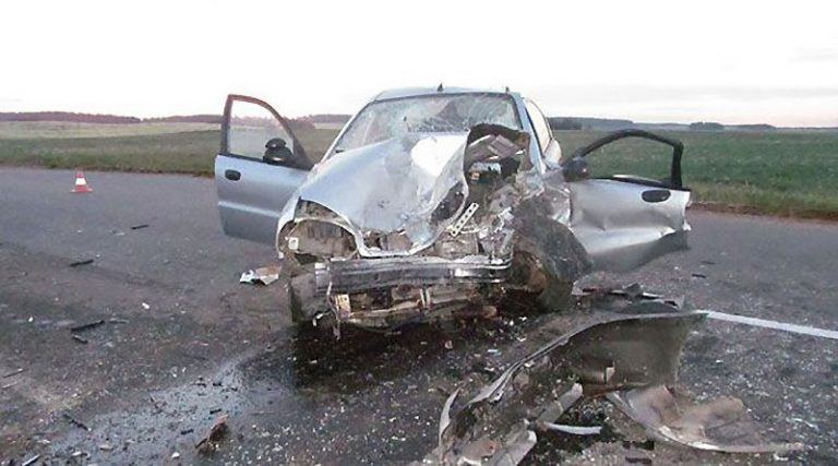 Один человек погиб, 4 получили травмы в ДТП в Минском районе