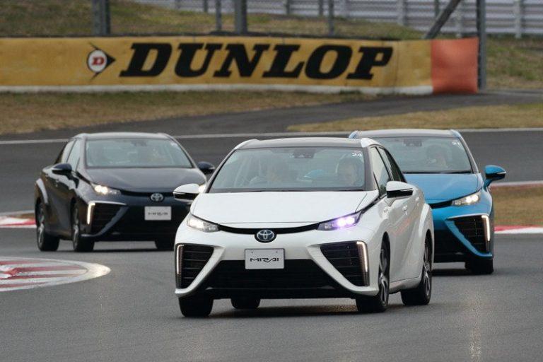 Toyota Mirai, водородный автомобиль