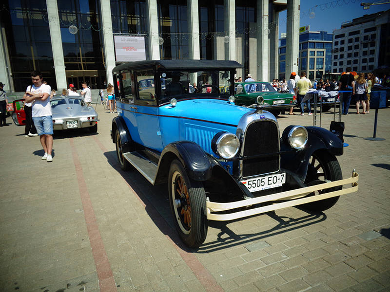 Автомобиль Willys Whippet Overlan