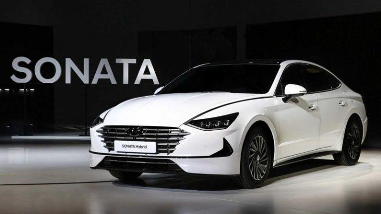 Гибридный Hyundai Sonata научился подзаряжаться от солнца
