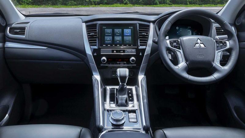 Обновленный Mitsubishi Pajero Sport сменил лицо