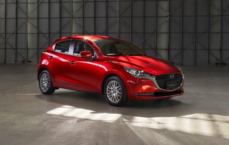 Mazda2 подверглась рестайлингу
