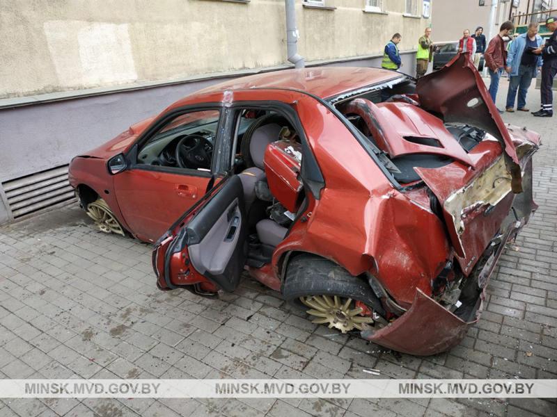ДТП с участием 4 автомобилей произошло на ул. Долгобродской