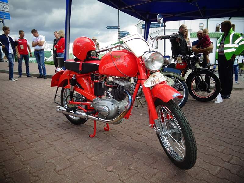 """Выставка ретро-мотоциклов """"Большой юбилейный год""""Выставка ретро-мотоциклов """"Большой юбилейный год"""""""