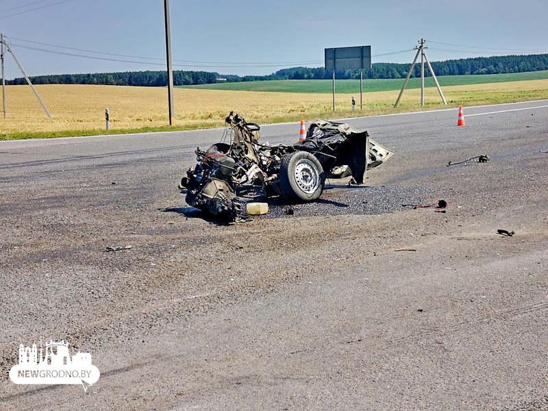 Под Гродно в результате ДТП у ВАЗа вырвало двигатель