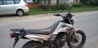 Очередной мотоциклист-бесправник спровоцировал погоню