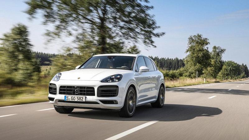 Porsche представляет новые топ-модели Cayenne
