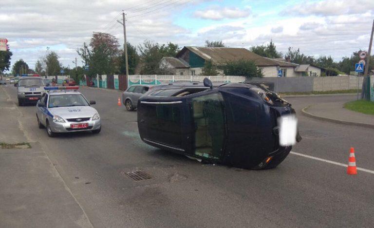 В Гомеле водитель Audi не уступил дорогу Volkswagen, произошло ДТП