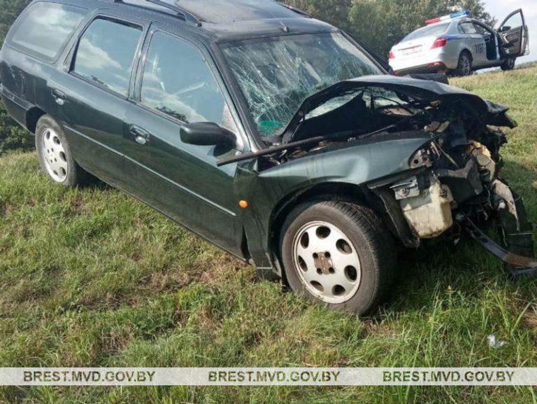 В Ивацевичском районе столкнулись Ford Mondeo и МАЗ