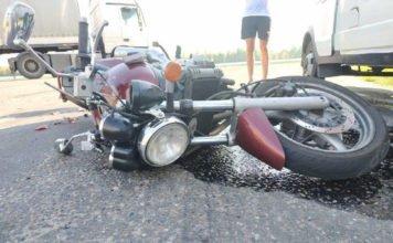 На автодороге Н-4095 мотоциклист попал под грузовик