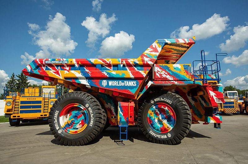 Самосвал БелАЗ получил камуфляж в стиле World of Tanks