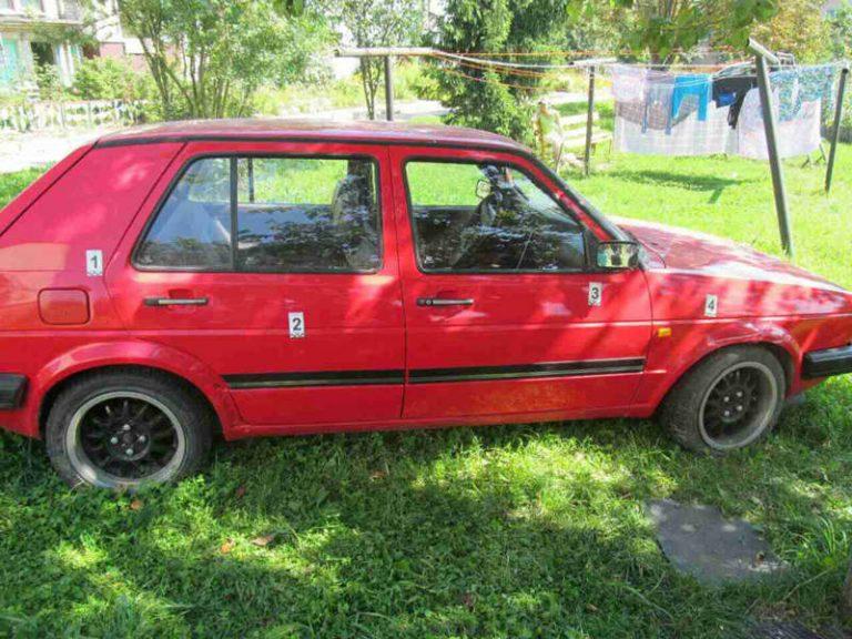 В Червенском районе 17-летний парень угнал и разбил авто соседа