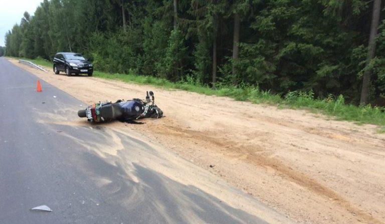 Мотоциклист сбил сразу двух женщин в Полоцком районе