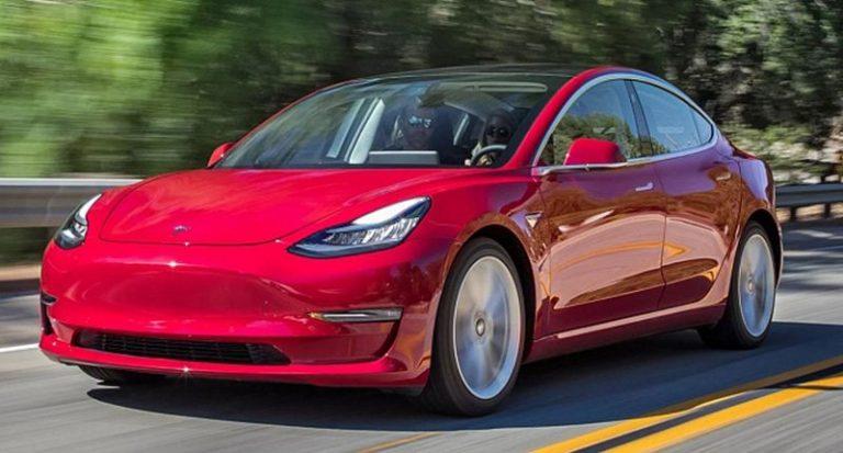 Tesla Model 3 без натуральной кожи