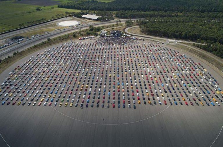 В Бельгии в одном месте собрали 1326 «МУСТАНГОВ»