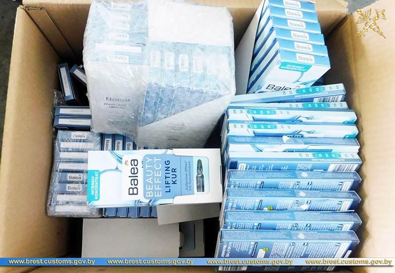 Брестские таможенники не допустили ввоз более 2,5 тыс. единиц незадекларированых косметических средств на территорию ЕАЭС