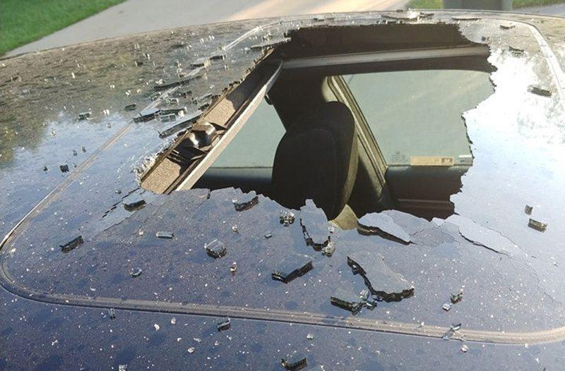 У HONDA CIVIC из-за перегревшегося шампуня лопнуло стекло