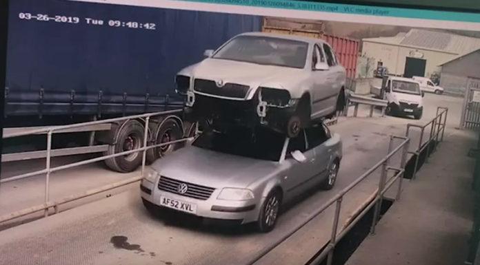 Британец на крыше провез другой автомобиль и угодил в суд