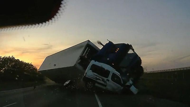 """На трассе М-4 """"Дон"""" произошла ужасная авария с участием белоруса"""