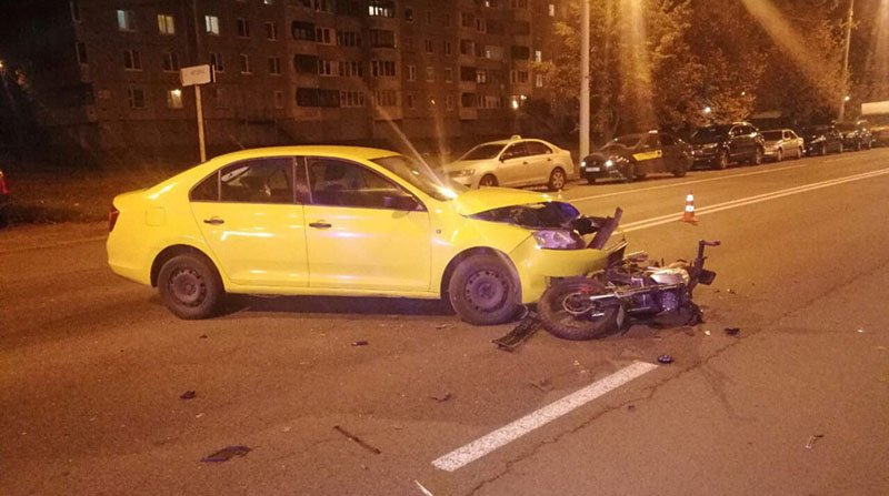 В Минске Skoda сбила мотоциклиста