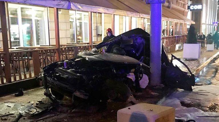 В Гомеле BMW вылетела на тротуар. Погибло 2 человека