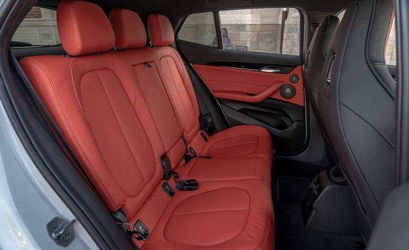 BMW X2 и Range Rover Evoque: кто кого?