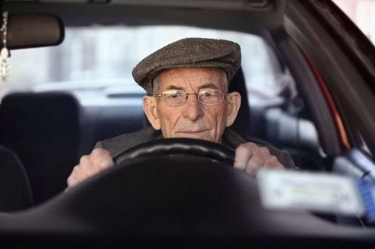 В Гродно задержали пенсионера-бесправника