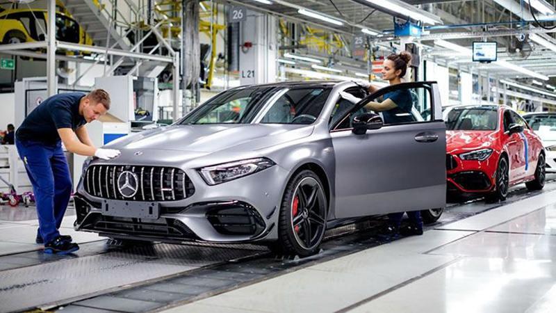 Daimler начал производство новых Mercedes-AMG A45 и CLA45