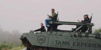 В США танками давят машины
