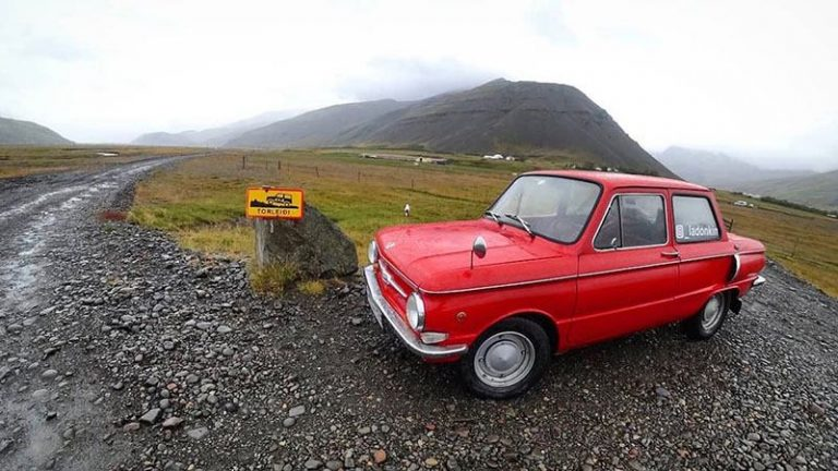 2 челябинца доехали до Исландии на «Запорожце»