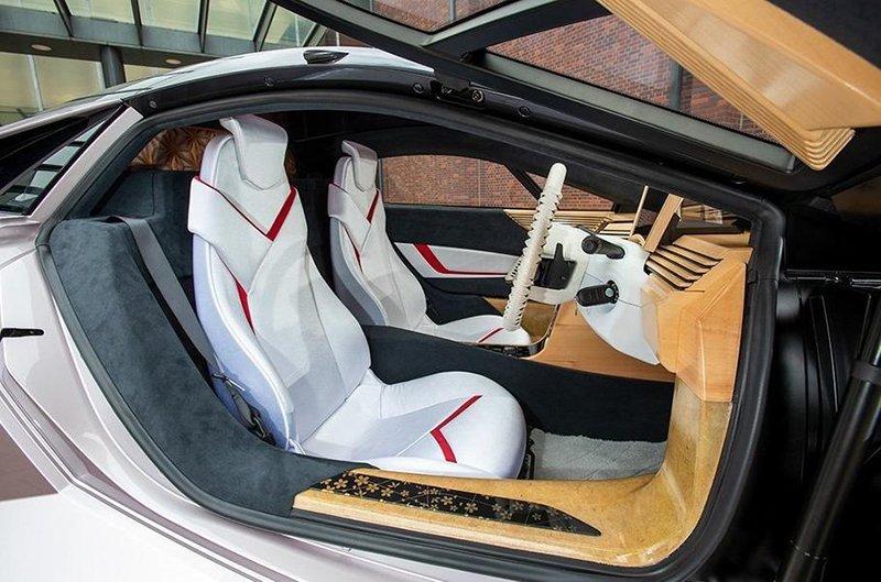 Японцы представили спорткар из целлюлозы