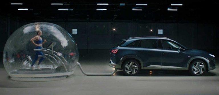 Hyundai необычно продемонстрировала безопасность выхлопов Nexo