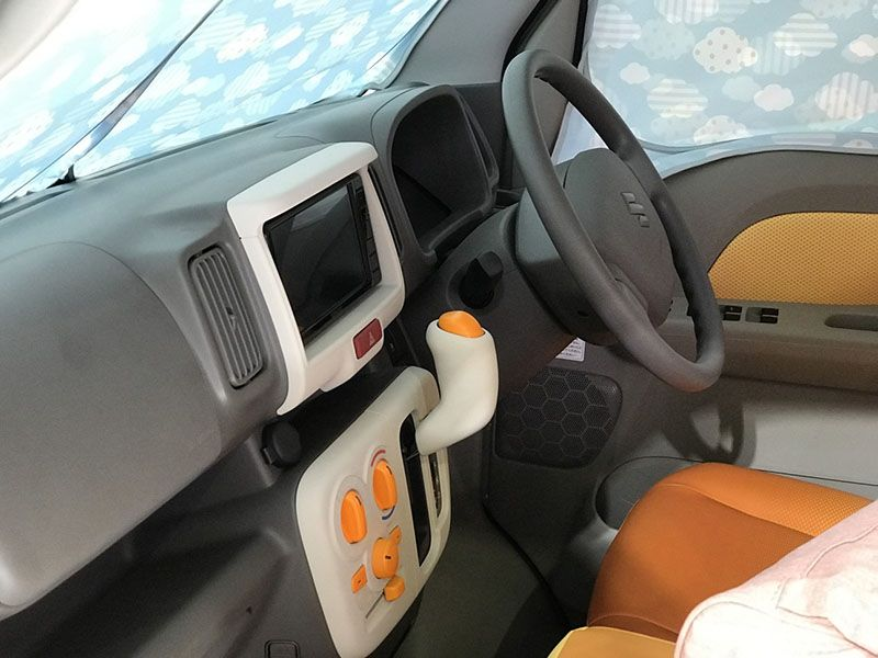 Suzuki показала машину для мам и детей