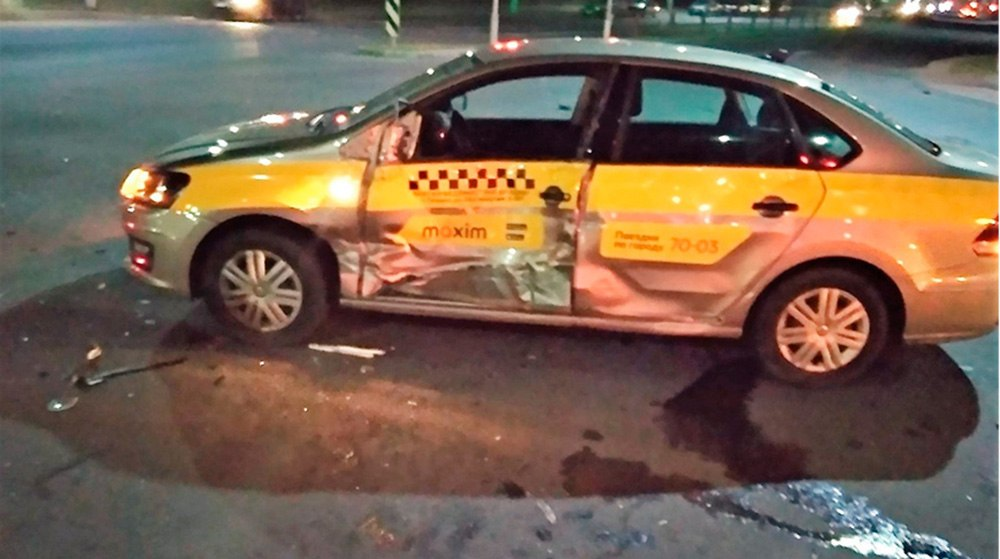 В Гродно столкнулись маршрутка и такси