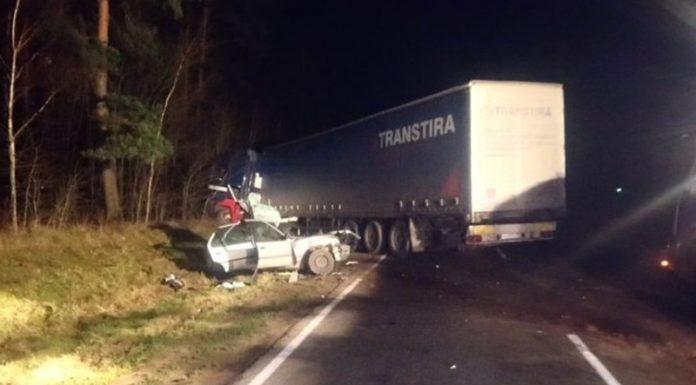Под Сморгонью в лобовом столкновении с фурой погиб водитель легковушки.