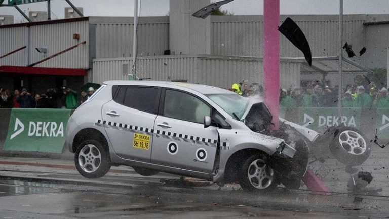 Немцы провели краш-тест Nissan Leaf