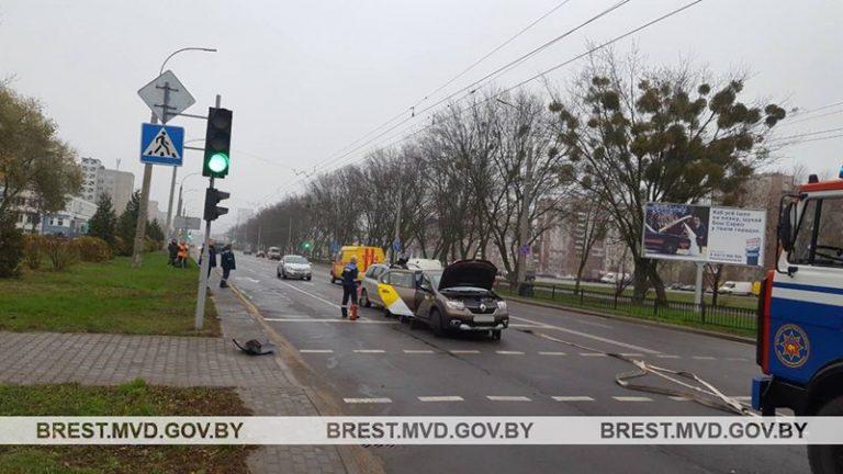 В Бресте столкнулись 3 автомобиля