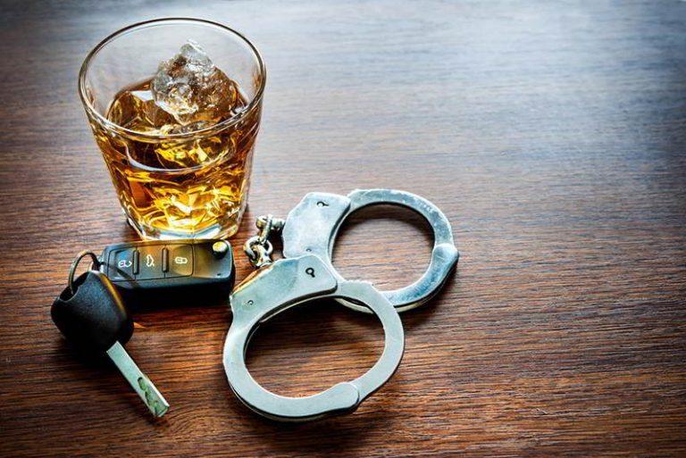 Сознательный гражданин задержал пьяного водителя
