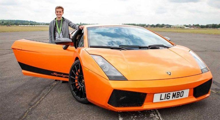 В Англии можно взять на прокат суперкар, не имея водительских прав