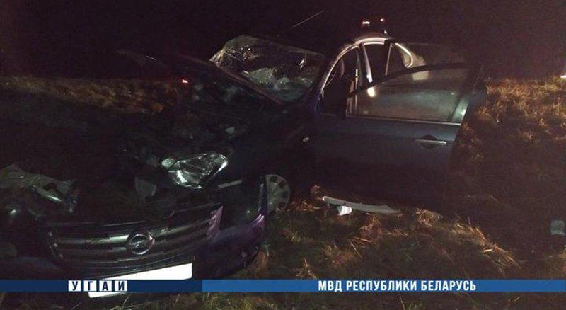 В Борисовском районе произошло лобовое столкновение двух легковушек. Погиб 1 человек