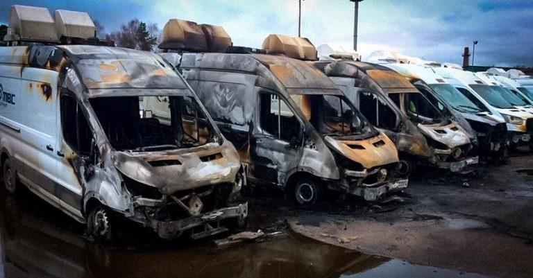 В Подмосковье сгорели 13 автомобилей