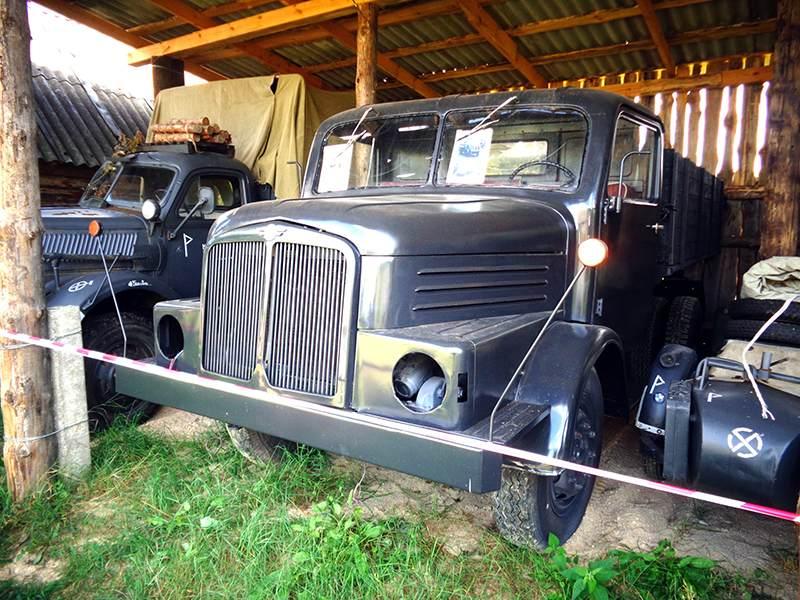 Автомобили из ГДР в автомузее в деревне Забродье