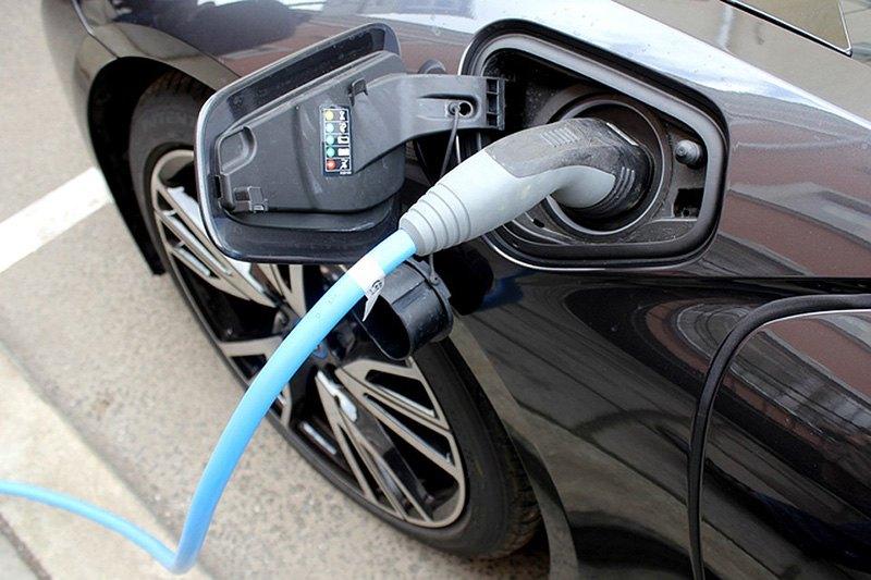 В Москве электромобили освободили от транспортного налога