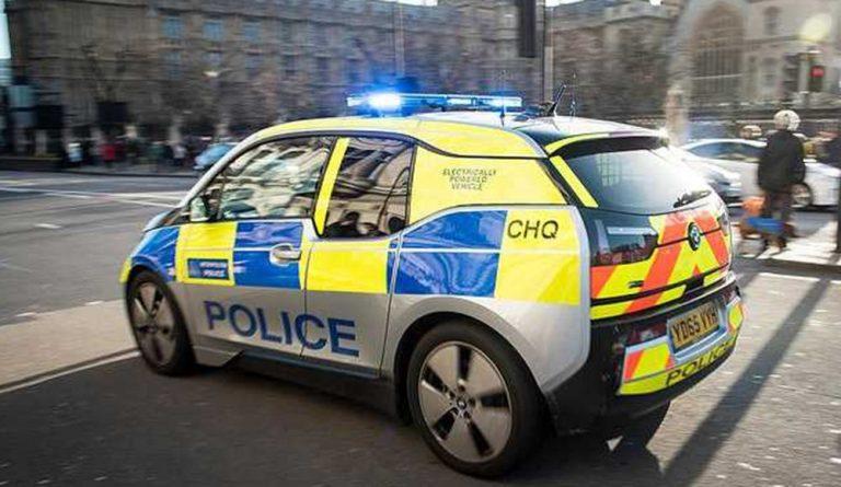 """Британская полиция закупила """"бесполезные"""" электромобили"""
