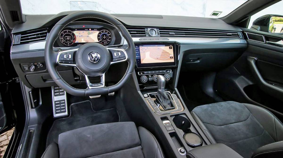 Toyota Camry vs Volkswagen Arteon